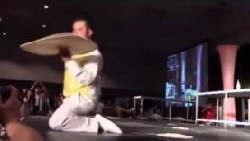 Pizza Tossing Finals Winner at Pizza Expo: Justin Wadstein Pizza Spinning and Tossing Tricks